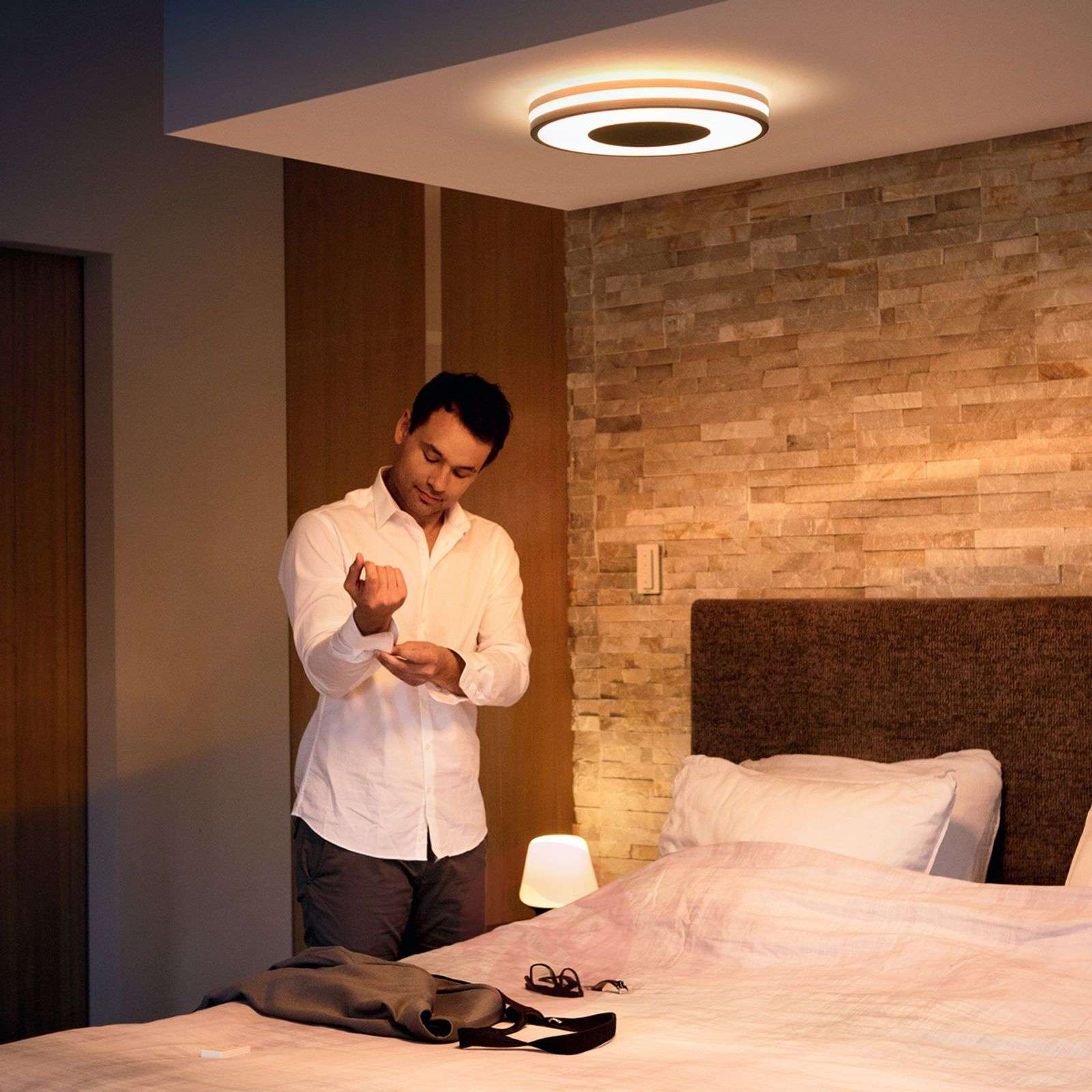 led plafondlamp philips hue being dimbaar. Black Bedroom Furniture Sets. Home Design Ideas
