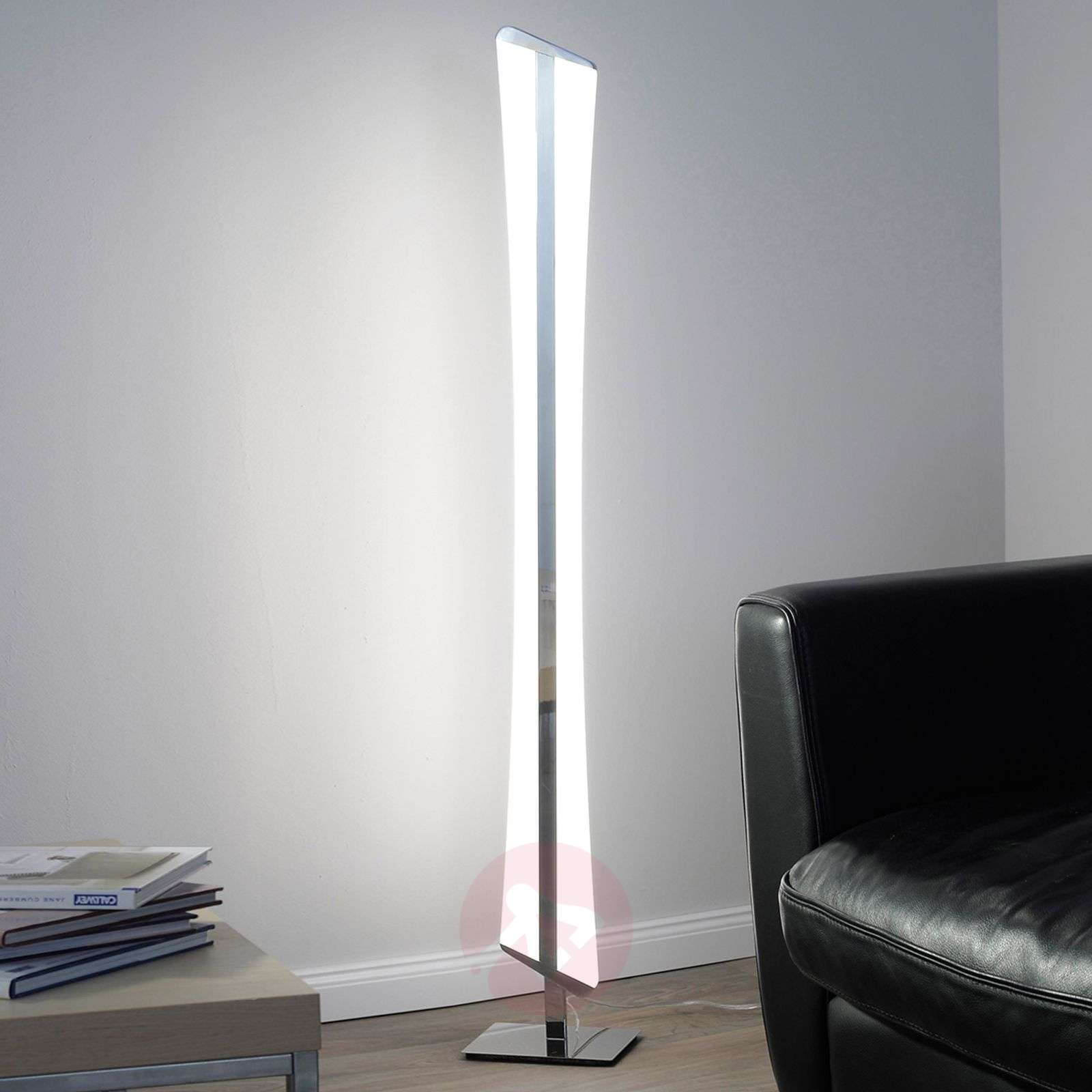riller een led staande lamp met moderne techniek. Black Bedroom Furniture Sets. Home Design Ideas