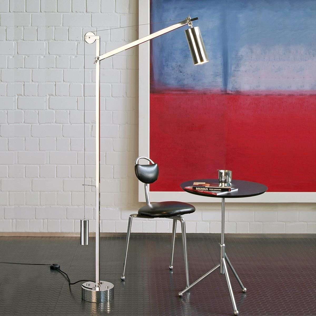 vloerlamp in bauhaus stijl met contragewicht. Black Bedroom Furniture Sets. Home Design Ideas