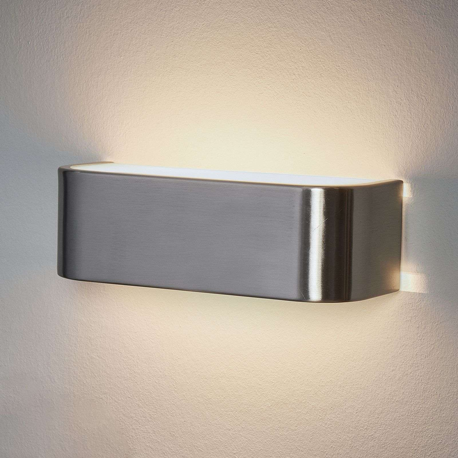Discrete LED wandlamp Lotti in nikkel