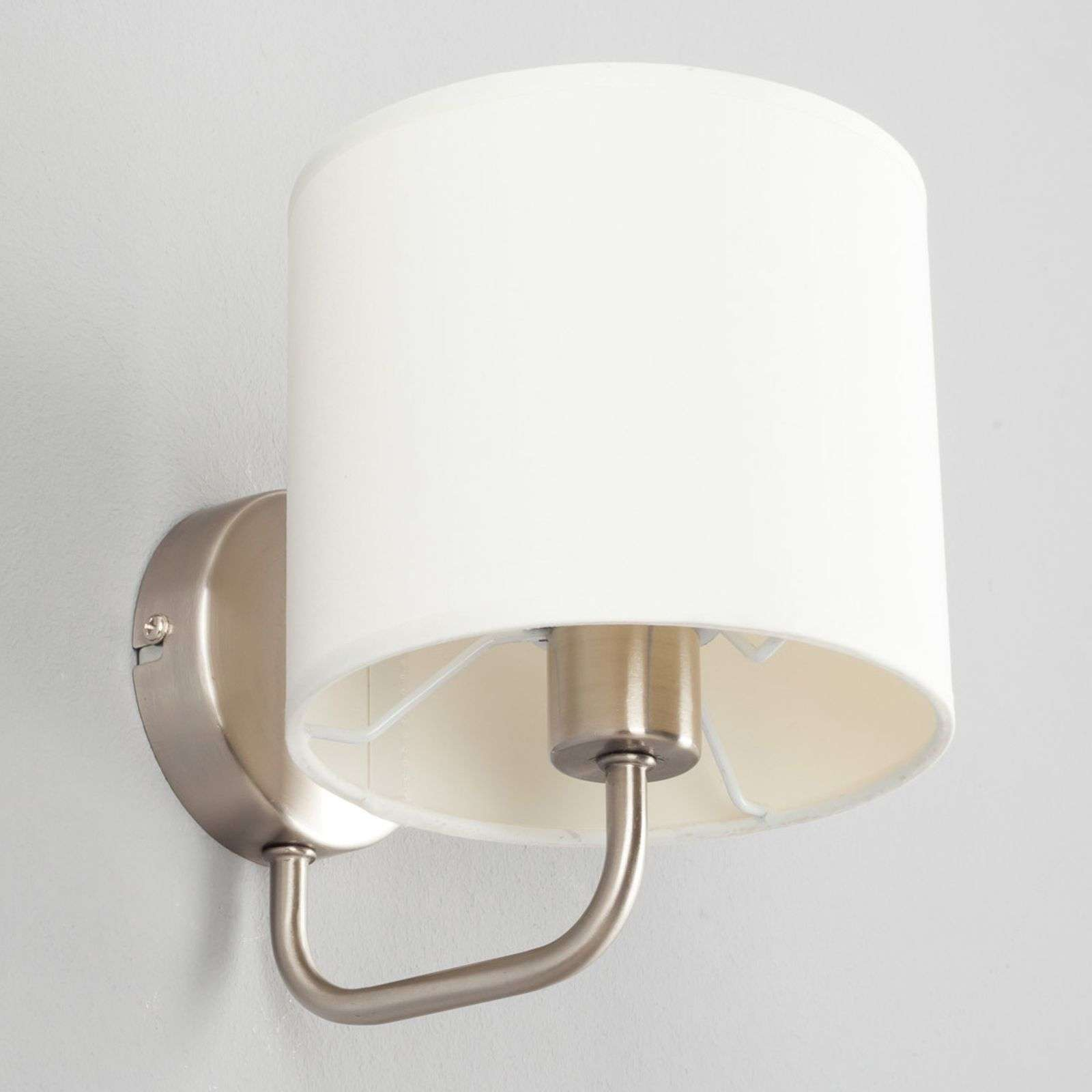Witte stoffen wandlamp Fenria met E14-LED